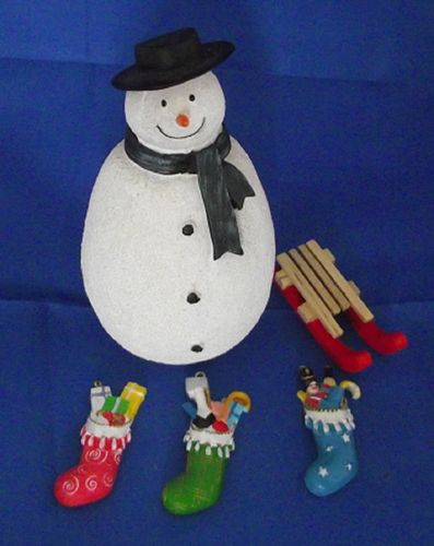 Snowman DP 323 Sledge TAS 006996  filled stockings 5017