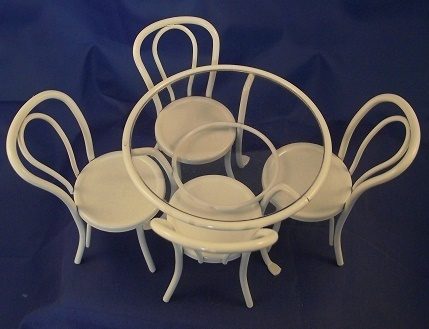 Table  White with glass top and 4 Chairs DF 1429